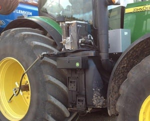 Remote inflation of tractor tyres with compressor