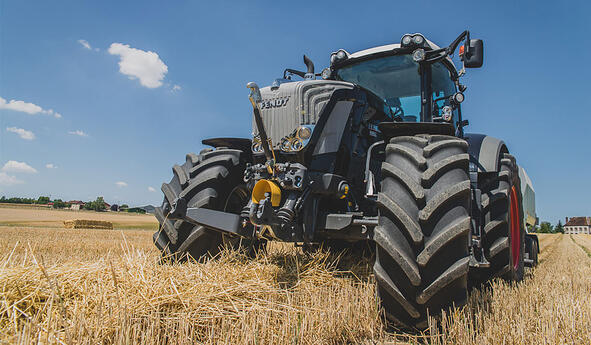 reduce the impact of tractor vibrations Bridgestone VTtractor