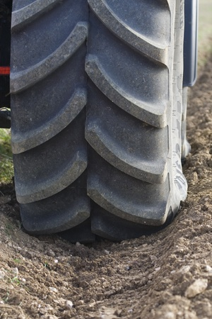 Traction capacity of tractor tyres