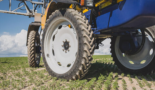 A good agricultural tyre is the best guarantee of sprayer stability