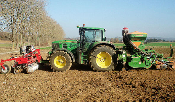 Manage your pressure to the ground to make your agricultural tyres last longer