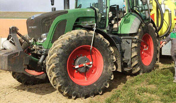 How can I be sure that my agricultural tyres are always at the right pressure