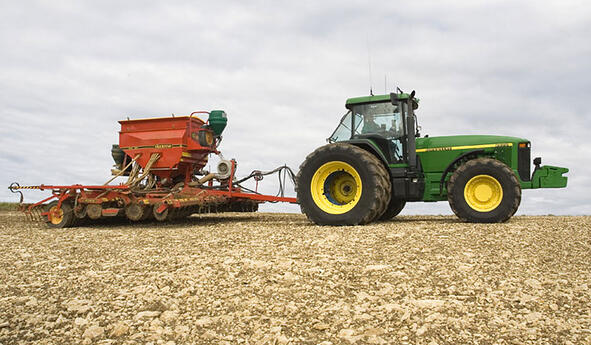 Expert opinion on soil compaction caused by tractor tyres
