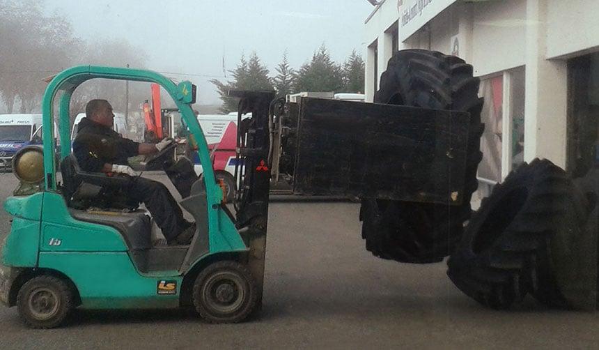 front loader with pallet lift fork