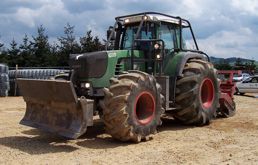 Tractor equipped with Forestry tyres