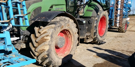 Weighing the tractor's rear axle