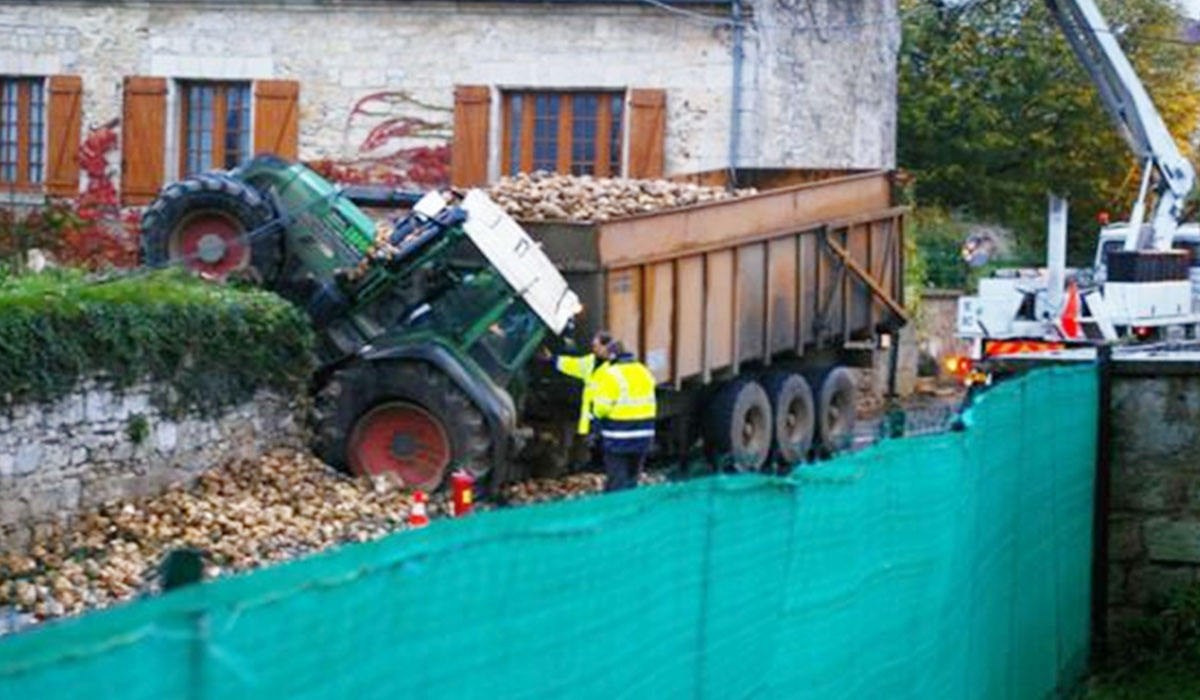 charge-excessive-pneus-tracteur