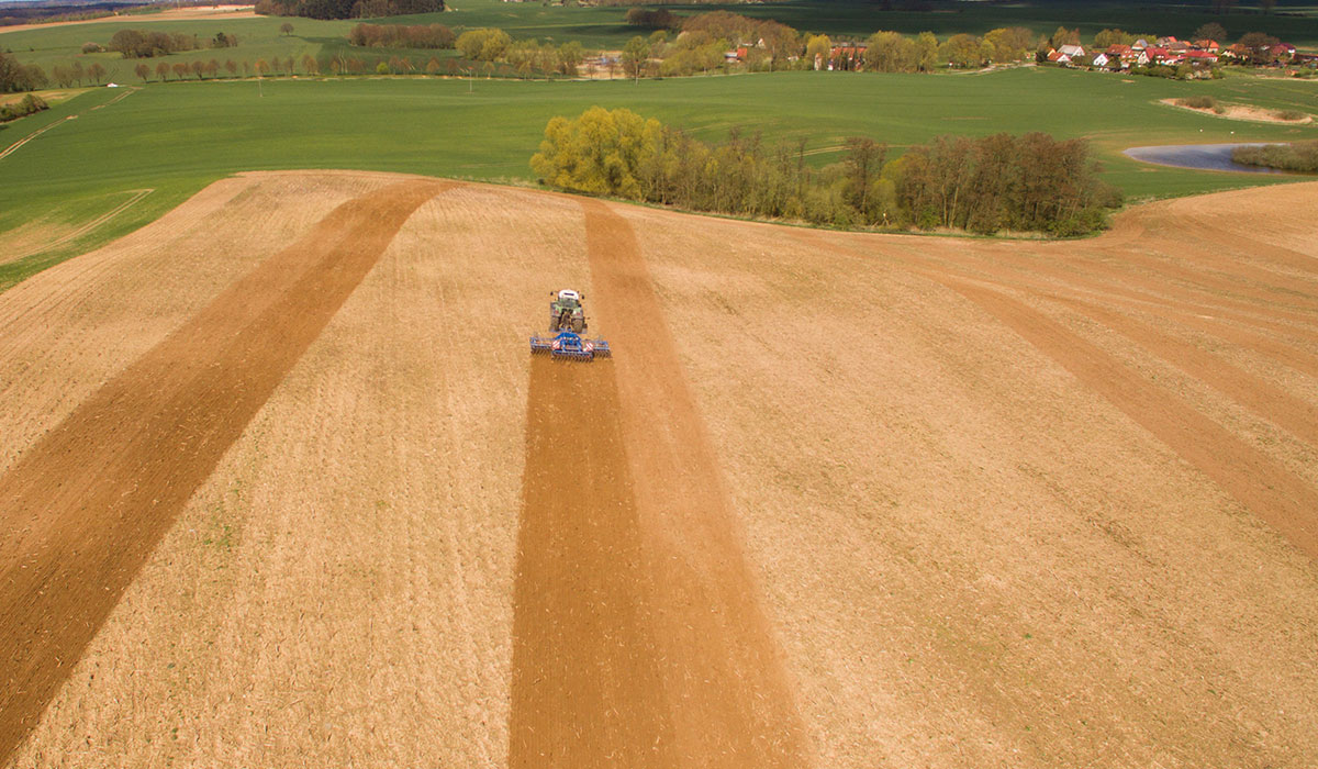 Tractor tyres for field crops