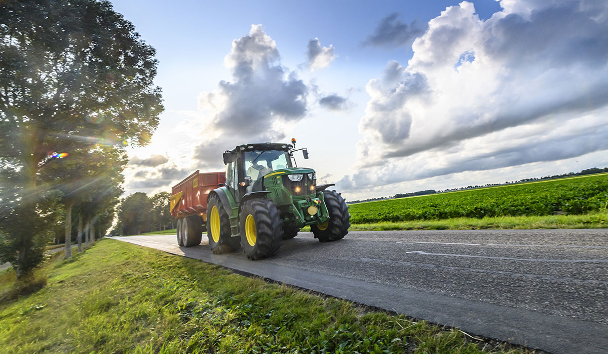 Which agricultural tyres are suitable for the road?