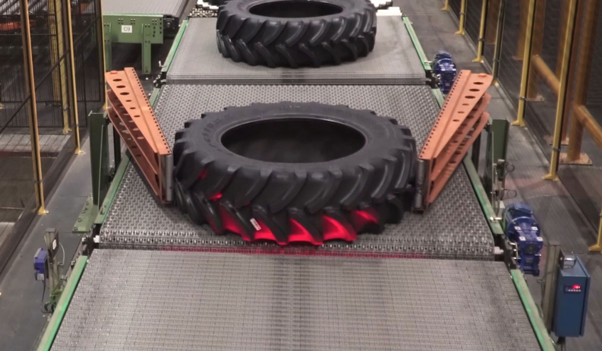 Manufacture of tractor tyres